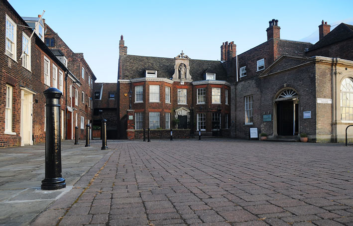 Bank House entrance in King Staithe Square